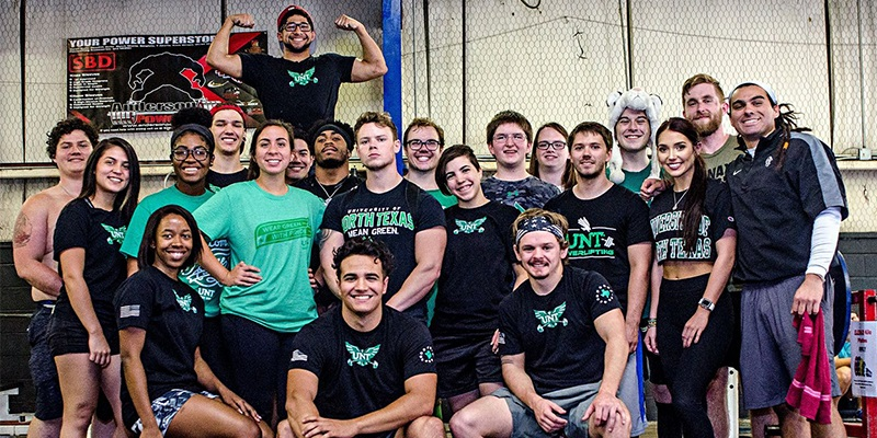 powerlifting-club-team-photo