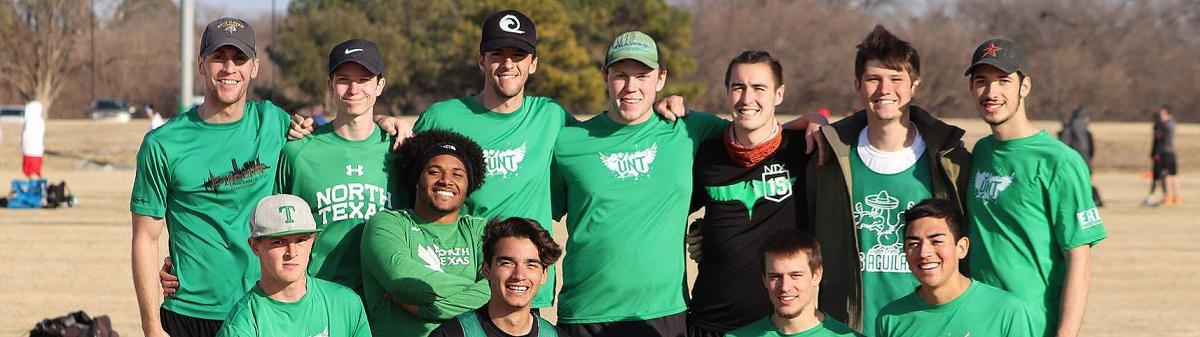 men's-ultimate-disc-team-photo